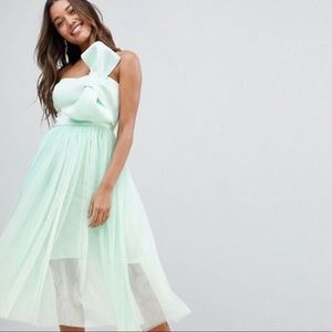 Stunning and sexy bow mint dress 👗